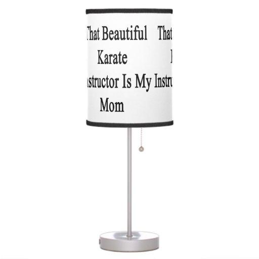 Ese instructor hermoso del karate es mi mamá