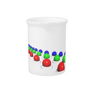 Esferas azulverdes rojas jarras