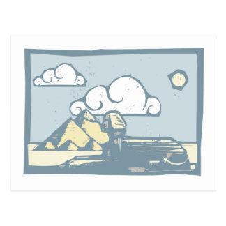 Esfinge egipcia con las nubes tarjeta postal