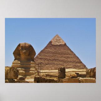 Esfinge y pirámide póster
