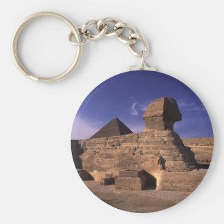 Esfinge y pirámides en Giza El Cairo Egipto Llavero Redondo Tipo Pin