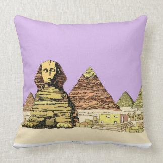 Esfinge y una pirámide cojín