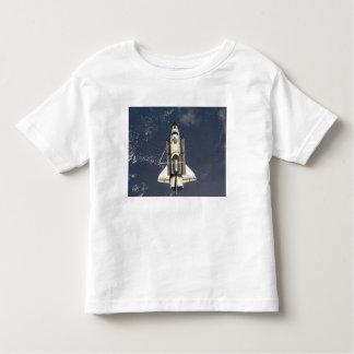 Esfuerzo 16 del transbordador espacial playera de bebé