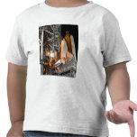 Esfuerzo del transbordador espacial en la platafor camiseta