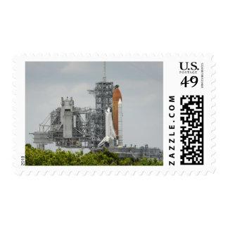 Esfuerzo del transbordador espacial en la sello postal