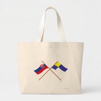 Eslovaquia y banderas cruzadas Bratislava Bolsa