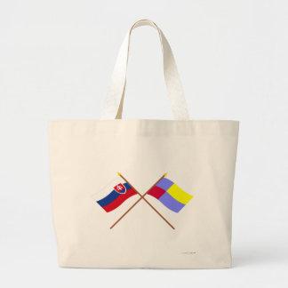 Eslovaquia y banderas cruzadas Nitra Bolsa