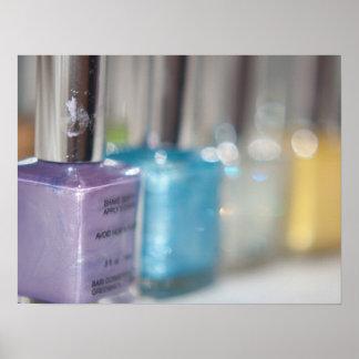 Esmalte de uñas púrpura impresiones