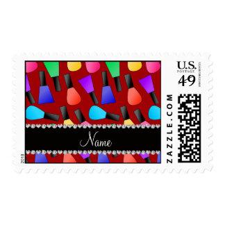 Esmalte de uñas rojo conocido personalizado del sellos postales