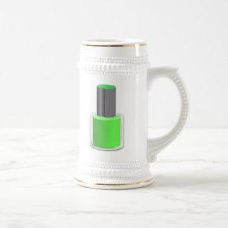 Esmalte de uñas verde jarra de cerveza