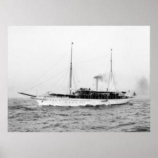 Esmeralda del yate del vapor, 1900s tempranos póster