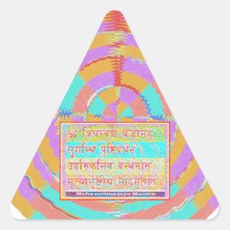 Esmero al mantra de MAHA-MRITUNJAY Calcomanía Trianguladas Personalizadas