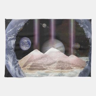 Espacio de los planetas de las pirámides toalla de mano