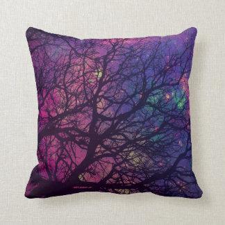 Espacio del árbol x almohadas