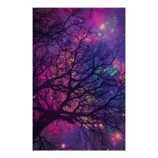 Espacio del árbol x papelería de diseño