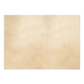 Espacio en blanco antiguo de papel de la plantilla comunicado personal