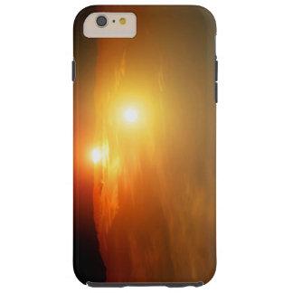 Espacio extranjero de la NASA de la puesta del sol Funda De iPhone 6 Plus Tough