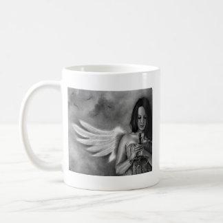 Espada del chica del ángel del defensor taza