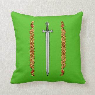 Espada y almohada irlandesas de Knotwork