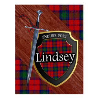 Espada y escudo del tartán de Lindsey del clan Tarjeta Postal