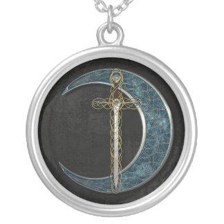Espada y luna célticas collar personalizado