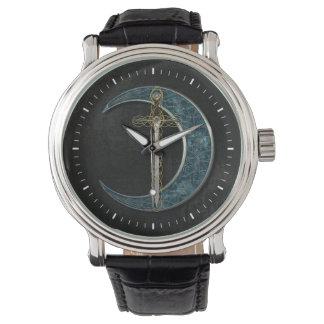 Espada y luna célticas relojes de pulsera