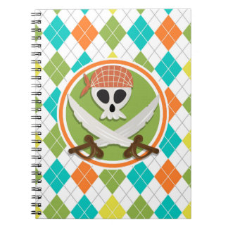 Espadas del pirata en el modelo colorido de Argyle Cuadernos