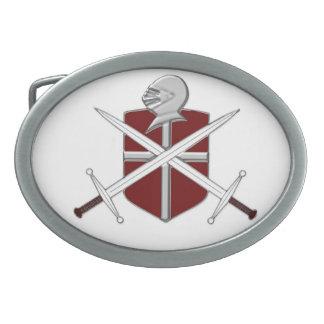 Espadas, escudo y hebilla del cinturón del casco hebilla cinturon oval