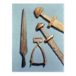 Espadas, estribo y punta de lanza de Viking Postales