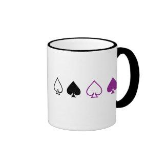 Espadas negras y púrpuras taza de dos colores