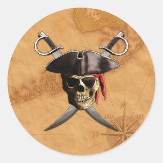 Espadas y mapa del cráneo del pirata pegatina redonda