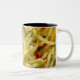 Espaguetis Aglio; Ensaladilla y Peperoncino Tazas De Café