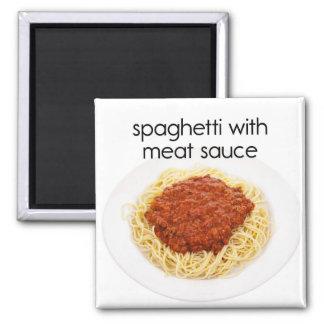 Espaguetis con el imán del refrigerador de la