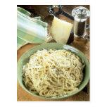 Espaguetis con el romano y el negro de Pecorino Tarjeta Postal