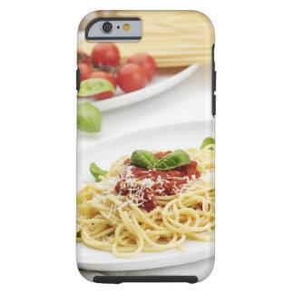 Espaguetis con la salsa y la albahaca de tomate funda para iPhone 6 tough