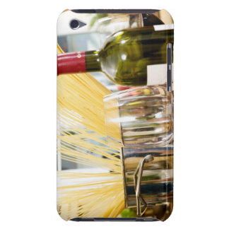 Espaguetis en cacerola con la botella y los vidrio iPod touch Case-Mate cobertura