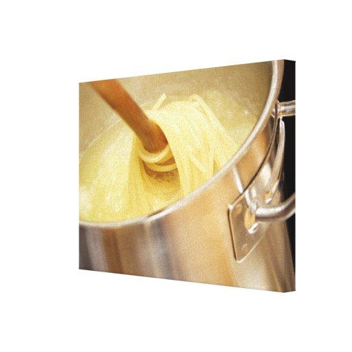 Espaguetis que son Stired en pote Impresión En Lona Estirada