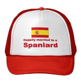 Español feliz casado gorros