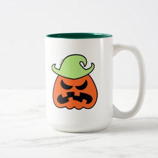 Espantapájaros enojado de Halloween Taza De Dos Tonos