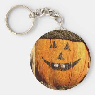 Espantapájaros sonriente de la calabaza de Hallowe Llaveros Personalizados
