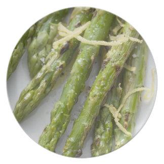 Espárrago verde asado con ánimo de limón, platos de comidas