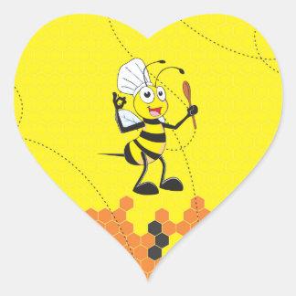 Espátula amarilla linda del gorra del cocinero de pegatina en forma de corazón