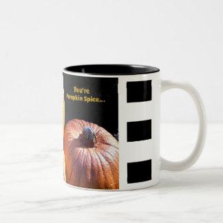 Especia de la calabaza taza dos tonos