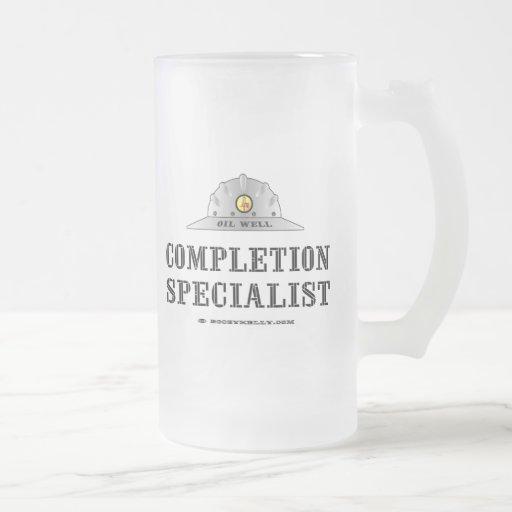 Especialista de la realización, vidrio de cerveza, taza de café