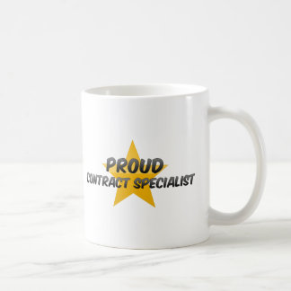 Especialista orgulloso del contrato taza de café