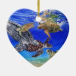 Especie en peligro arte subacuático de las tortuga ornamento de reyes magos