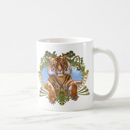Especie en peligro escudo del tigre taza clásica