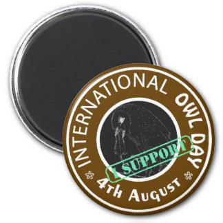 Especie en peligro internacional del día del búho imán redondo 5 cm