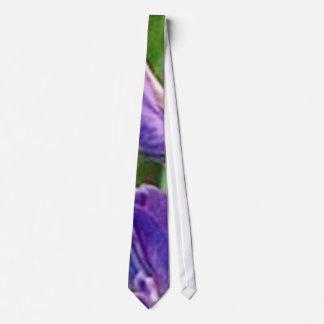 especie y fuego en peligro amenazantes corbata personalizada