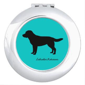 Espejo compacto del labrador retriever